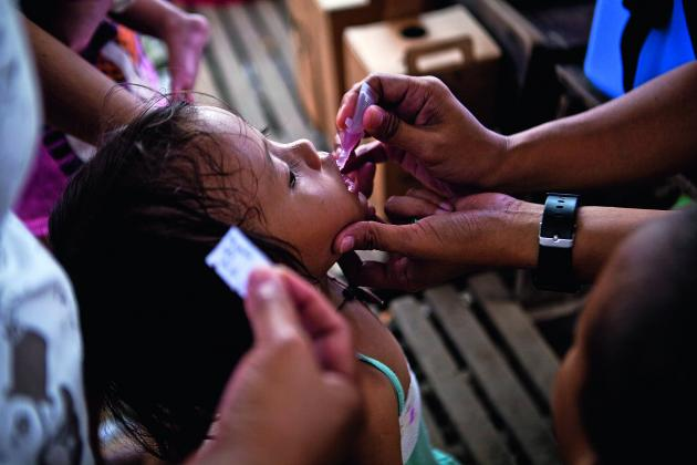 Vaccination campaign against polio and measles at Sint Jose General School in Tacloban on the 26th November 2013. VIRGINIE NGUYEN HOANG/HANSLUCAS/HUMA